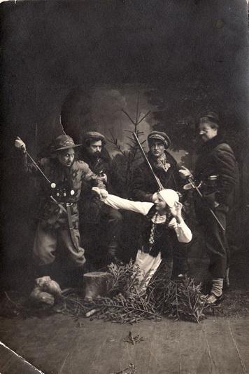 Panevėžio kraštas ir prieš Pirmąjį pasaulį karą, ir tuo labiau po jo nestokojo aktyvių visuomenininkų (nuotraukoje – Panevėžio pavasarininkai 1935-aisiais). PANEVĖŽIO KRAŠTOTYROS MUZIEJAUS rinkinių nuotr.