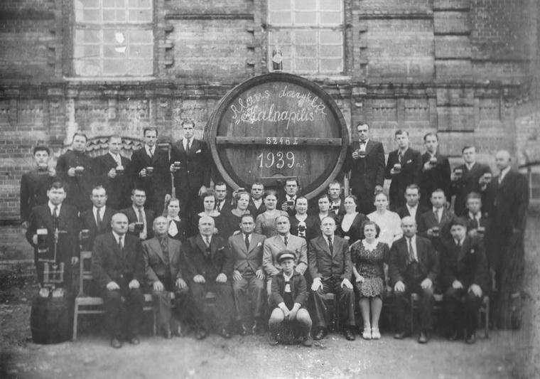 """Broliai Izaokas ir Heselis Chazenai, 1929 metais įsigiję ir """"Kalnapilio"""" alaus daryklą (nuotraukoje), buvo stambiausi pramonininkai Panevėžyje, daug prisidėję prie miesto vystymosi. PANEVĖŽIO ŽYDŲ BENDRUOMENĖS nuotr."""
