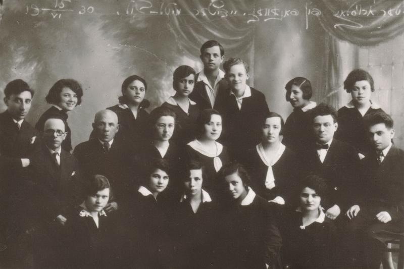 Panevėžio žydų vidurinė mokykla veikė neilgai, tačiau buvo labai svarbi bendruomenei, nes suteikė galimybę siekti išsilavinimo ir neturtingų šeimų vaikams. PANEVĖŽIO KRAŠTOTYROS MUZIEJAUS rinkinių nuotr.