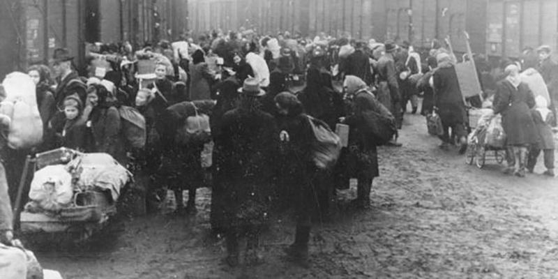Vadovaujantis komunistine ideologija masiškai naikinti tautas buvo rengiamasi jau nuo 1939-ųjų. Ypatingą vietą bolševikinio teroro sistemoje užėmė šeimų trėmimas į šiaurės regionus. ARCHYVŲ nuotr.
