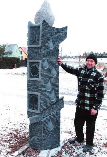 Gausybės meno kūrinių autorius Vytautas Jasinskas žino, kad kiekvienas akmuo turi savo ypatybių, galimybių ir paslapčių. Be to, nors ir atrodo amžinas, akmuo keičiasi. ASMENINIO ARCHYVO nuotr.