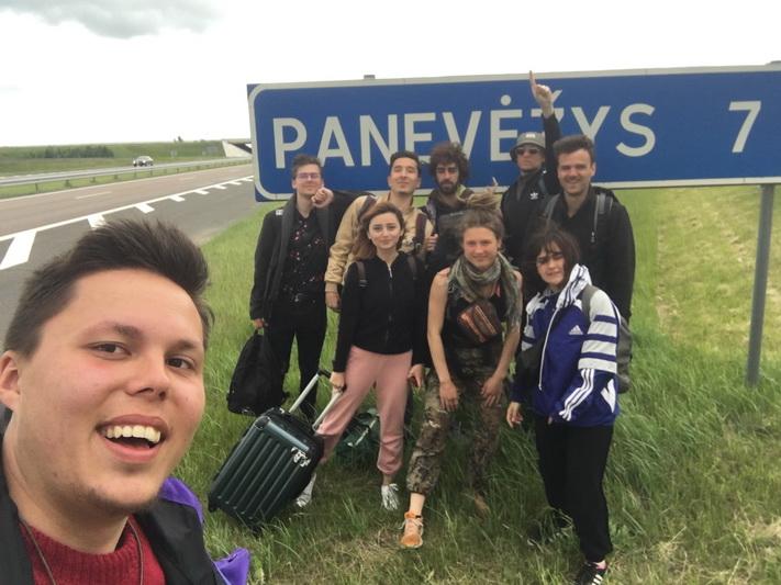 Ovidijus Bacevičius – nerami ir jau daug mačiusi siela. Gimė ir augo Panevėžyje, ne kartą keitė mokyklas, galiausiai 10 klasėje patraukė mokytis į Jungtinę Karalystę, ten įgijo brandos atestatą, o dabar savanoriauja Latvijoje. ASMENINIO ARCHYVO nuotr.