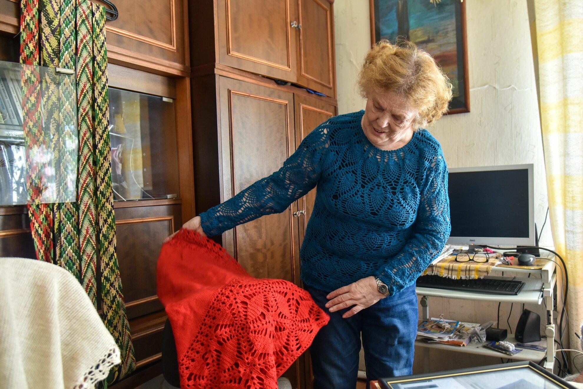 Alės Gegelevičienės kūrybos aruoduose – įvairiausi tekstilės darbai. P. Židonio nuotr.