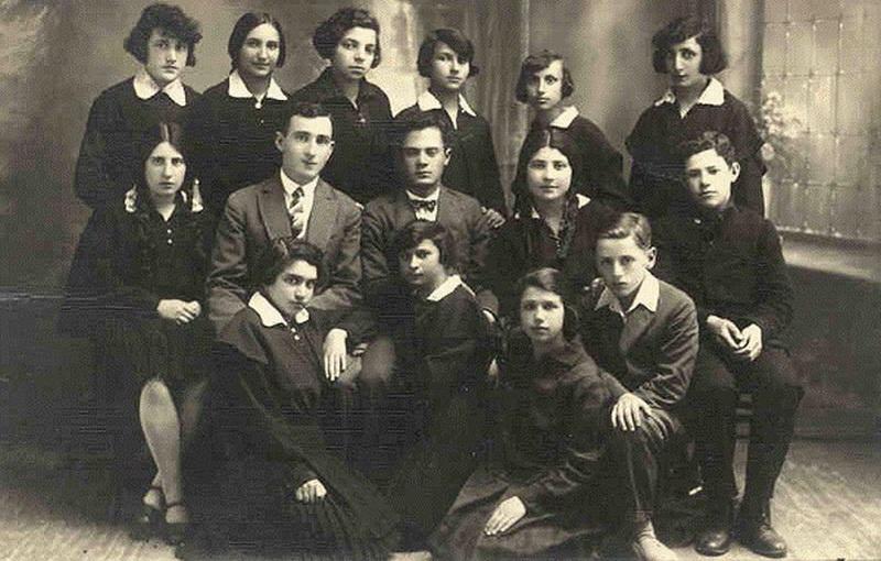 Žydų vidurinės mokyklos moksleiviai 1928 metais. PANEVĖŽIO MIESTO ŽYDŲ BENDRUOMENĖS nuotr.