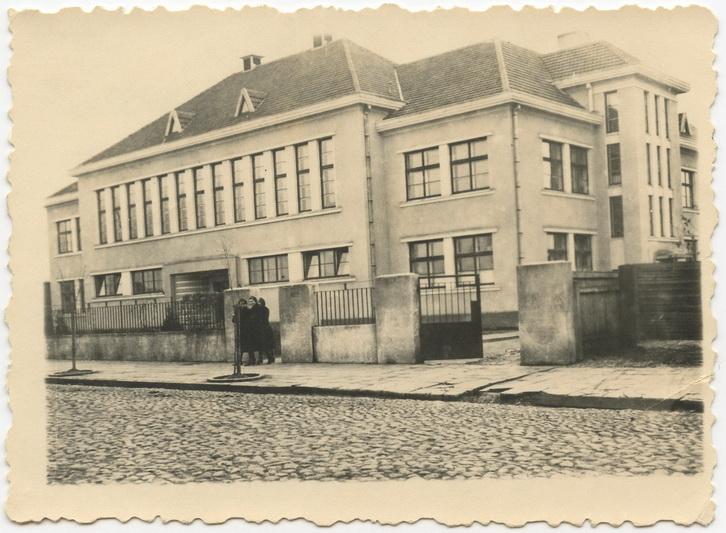 Panevėžio pradžios mokykla Nr. 3, kur 1939 metais buvo įsikūręs iš Klaipėdos į Panevėžį atkeltas pedagoginis institutas. LIETUVOS MOKSLŲ AKADEMIJOS VRUBLEVSKIŲ BIBLIOTEKOS RANKRAŠČIŲ SKYRIAUS nuotr.