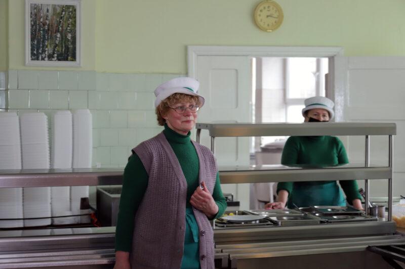 Panevėžyje geriausios virėjos titulą sovietmečiu turėjusi Zita Tolvaišienė galėjo dirbti aukščiausios klasės restoranuose, bet pasirinko maitinti darbininkus. I. STULGAITĖS-KRIUKIENĖS nuotr.
