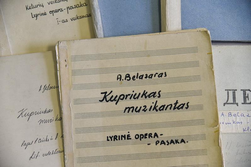 Kompozitoriaus, pedagogo, choro dirigento Antano Belazaro dokumentų archyvas muziejuje kuklesnis – vos 52 eksponatai. P. ŽIDONIO nuotr.