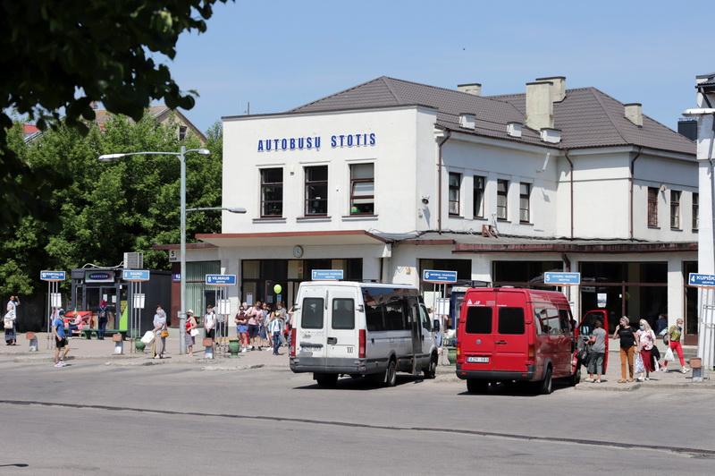 Naujos autobusų stoties statybų planus suraizgė pasikeitusi situacija rinkoje: Savivaldybei teko atmesti konkursui pateiktus įmonių pasiūlymus. I. STULGAITĖS-KRIUKIENĖS nuotr.