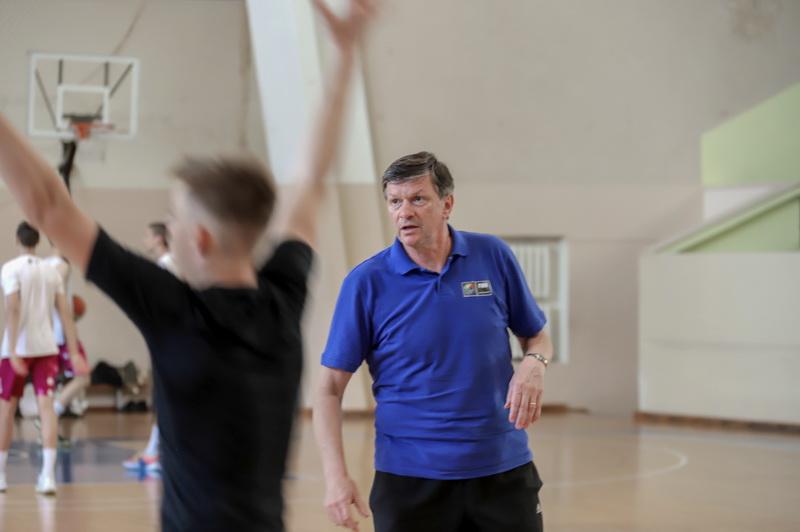 Dabar Gintaras Leonavičius treniruoja jaunuosius krepšininkus Panevėžio sporto centre. I. STULGAITĖS-KRIUKIENĖS nuotr.