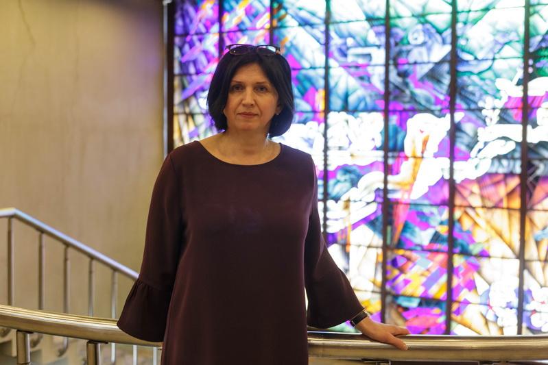 """Loreta Guokė svarsto, kad vadinamosios karantininės santuokos, kai, be jaunikio ir nuotakos, dalyvauti galėjo tik liudininkai ir dar vienas asmuo, atrodė nuoširdesnės, tarsi tikresnės, labiau buvo matyti besituokiančiųjų jaudulys. """"SEKUNDĖS"""" nuotr."""